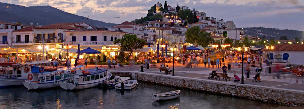 Il porticciolo della città di Skiathos