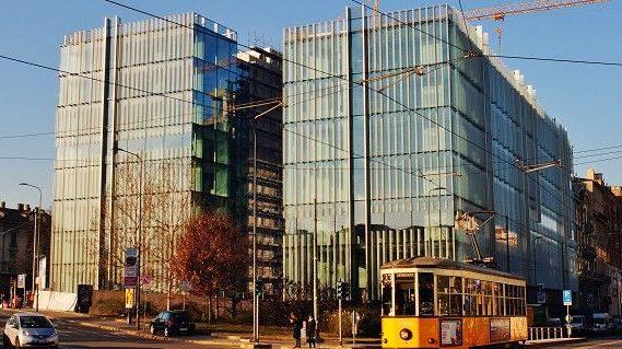 Nasce in Porta Nuova il futuristico quartier generale di Amazon, nel quale, dal 6 novembre, si sono trasferiti gli oltre 400 dipendenti italiani dell'azienda di e-commerce fondata da Jeff Bezos