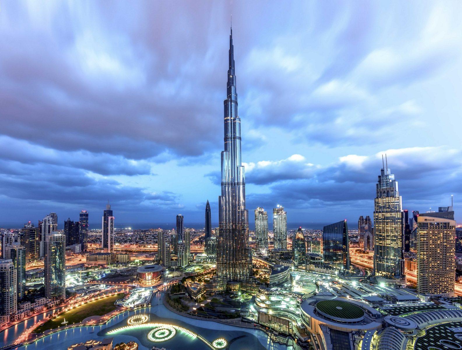 Il famoso Burj Khalifa, l'edificio più alto del mondo