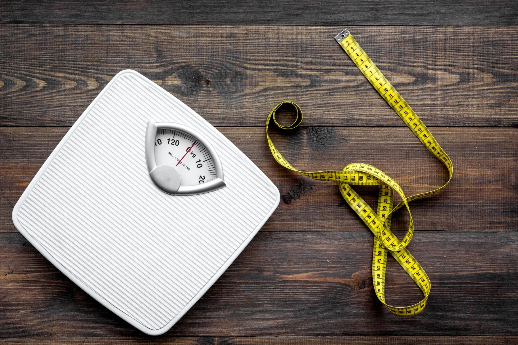 Per controllare se il corpo sta tornando in forma ci si può pesare e misurare