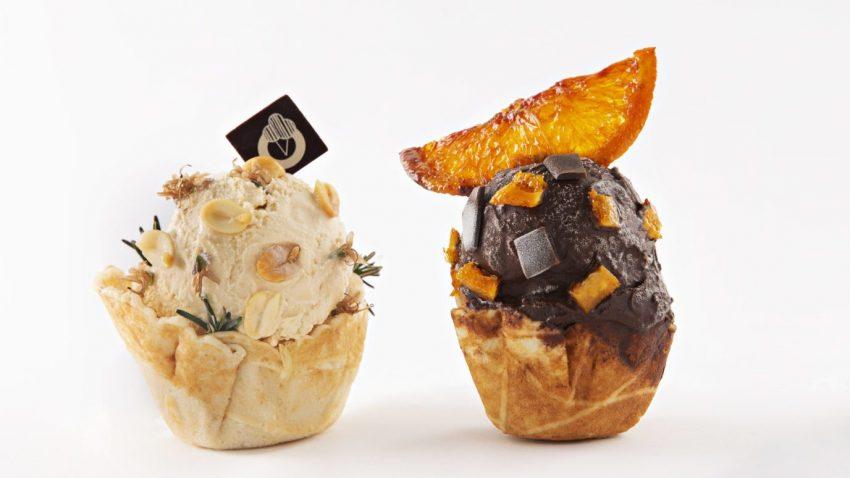 Da Dorelli Milano il gelato è di crema di caprino erborinato in cera d'api. Il tutto con il pairing di un Sandeman Fine Ruby